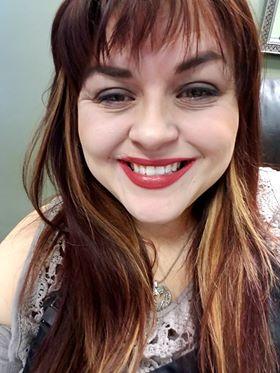 Shana - Cosmetologist